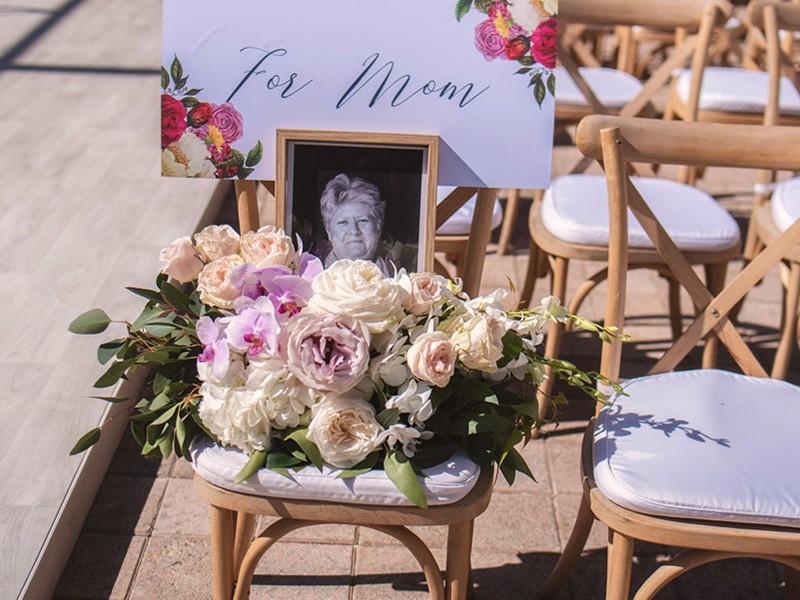 Signage-mom-Kelly-Ivan