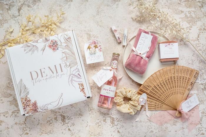 Lola-Bridesmaid-Box